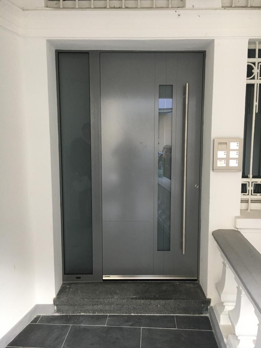 Haustüren weiß grau  Bildergalerie