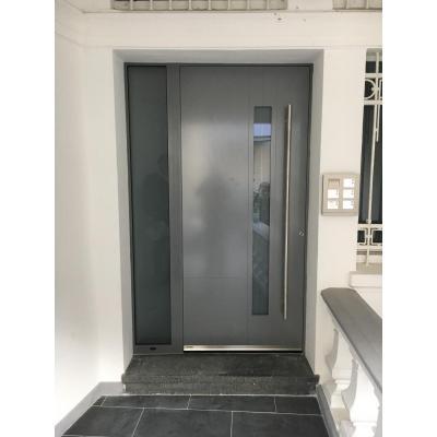 Haustür mit Seitenteil, grau, außen flächenbündig