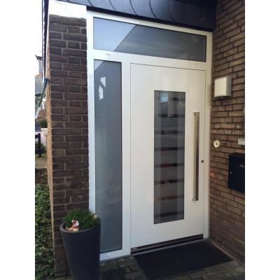 Haustür Aluminium mit Seitenteil und Oberlicht