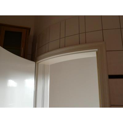 Innentür als Stiltür, weiß lackiert, runde Wand !